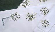 Mistletoe Table Cloth & Napkins